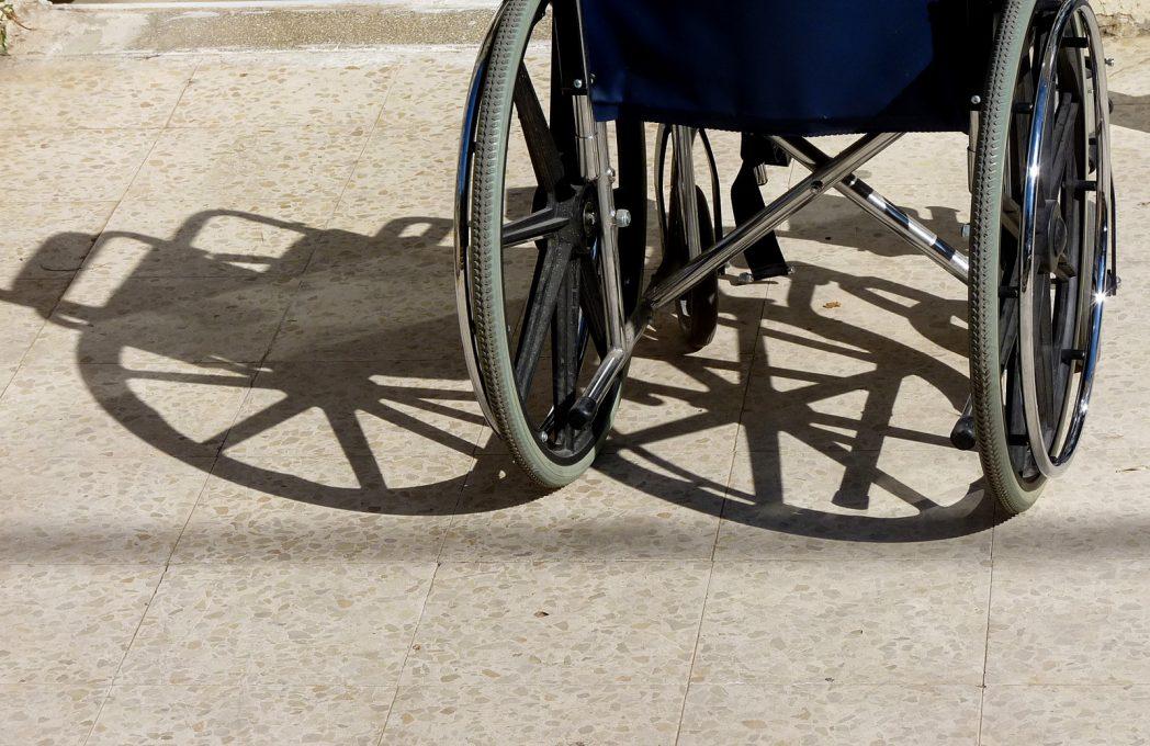 Carrozzine Per Disabili Tipologie Come Sceglierle Prezzi