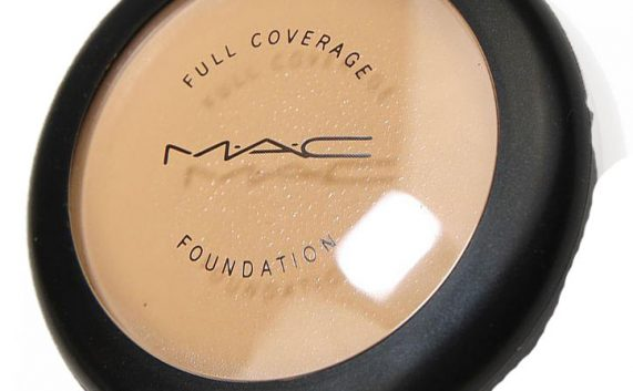 **MAC Cosmetics Full Coverage Foundation